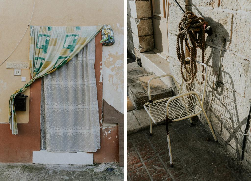 Porte avec rideau - Chaise et corde de pêcheur - Marsaxlokk